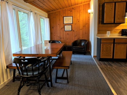 In-Room Dining | Coadys' Point of View Lake Resort