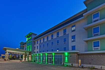 Front of Property - Evening/Night | Holiday Inn Amarillo East
