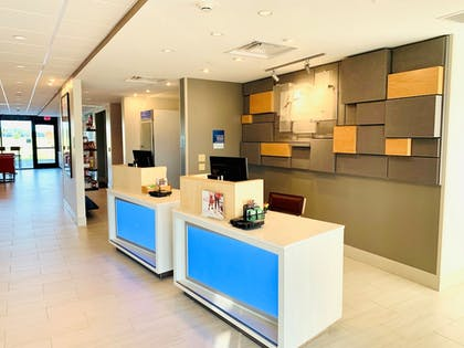 Interior | Holiday Inn Express And Suites Middletown