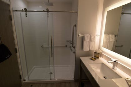 Bathroom | Best Western Plus Executive Residency Oklahoma City I-35