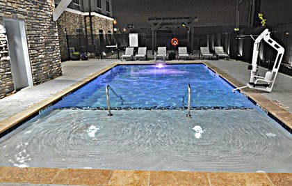Outdoor Pool | Best Western Plus Executive Residency Oklahoma City I-35