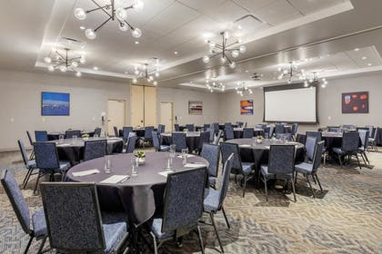 Meeting Facility | Cambria Hotel Milwaukee Downtown