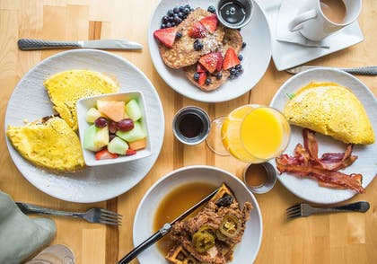 Breakfast Meal | Cambria Hotel Milwaukee Downtown
