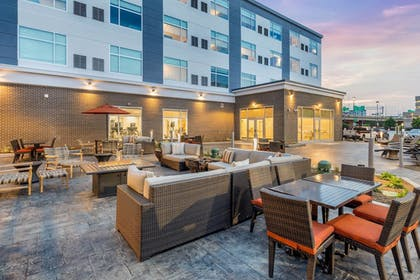 Terrace/Patio | Cambria Hotel Milwaukee Downtown