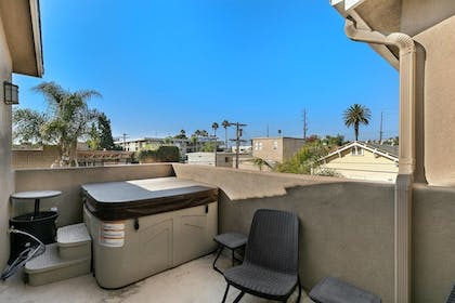 Outdoor Spa Tub | Pacific Beach Haven 3 BR Perfect Location!