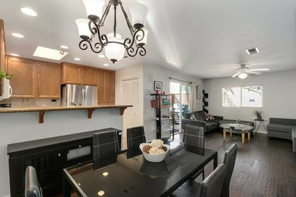 In-Room Dining | Pacific Beach Haven 3 BR Perfect Location!
