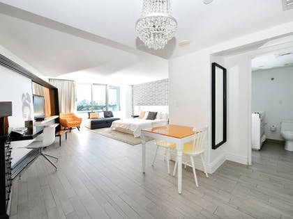 Room | Miami World Rental - Mondrian 608