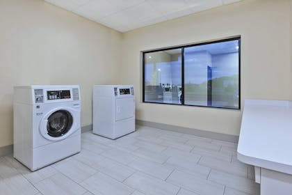 Laundry | Holiday Inn Express And Suites Painesville - Concord