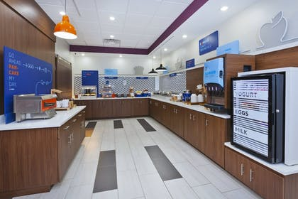 Restaurant | Holiday Inn Express And Suites Painesville - Concord
