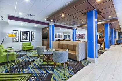 Interior | Holiday Inn Express And Suites Painesville - Concord