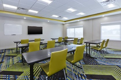 Meeting Facility | Holiday Inn Express And Suites Painesville - Concord