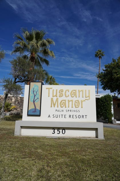 Hotel Entrance | Tuscany Manor Suites