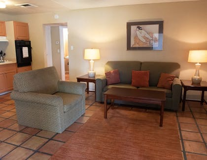 Guestroom | Tuscany Manor Suites