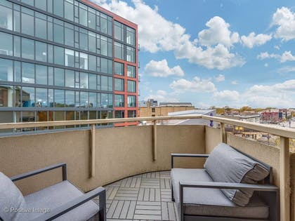 | 4 BDR Penthouse - Featured on Hgtv! Amazing Views!