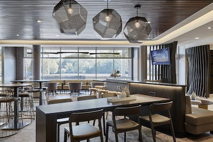 Hotel Bar | SpringHill Suites by Marriott Tifton