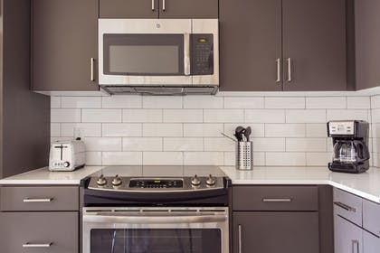 In-Room Kitchen   Brand New Downtown LA Luxury Apartment