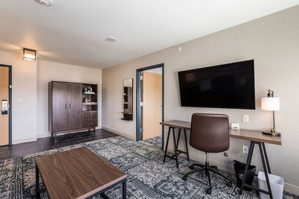 Guestroom   Four Points by Sheraton Elkhart