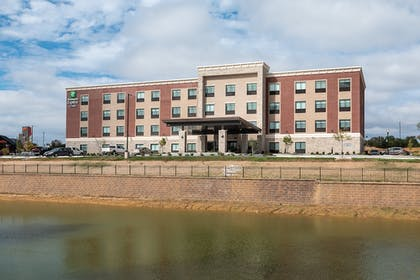 Featured Image | Holiday Inn Express & Suites Wentzville St Louis West