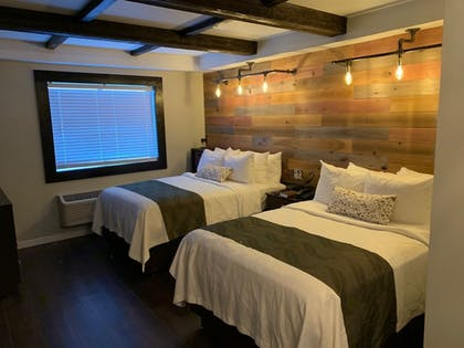 Featured Image | Cedar Stables Inn and Suites