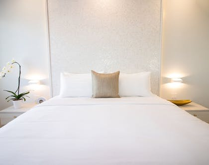 Guestroom | Cardozo Hotel South Beach
