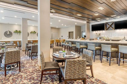 Dining | Cambria Hotel Fort Mill