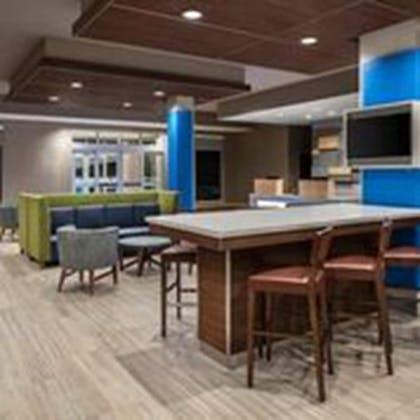 Lobby Sitting Area | Holiday Inn Express & Suites Odessa I-20