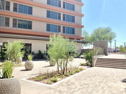 Courtyard | Element Scottsdale at SkySong