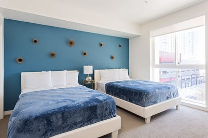 City View | Downtown LA Luxury Two Bedroom Apartment