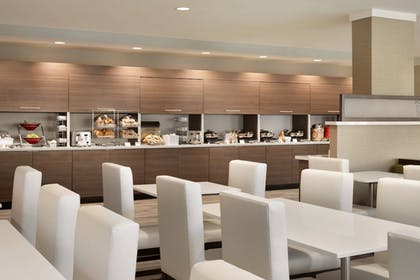 Restaurant | TownePlace Suites by Marriott Outer Banks Kill Devil Hills
