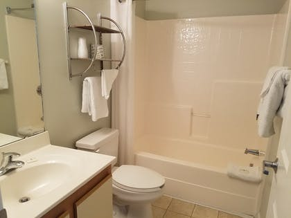 Bathroom | Affordable Suites Shelby