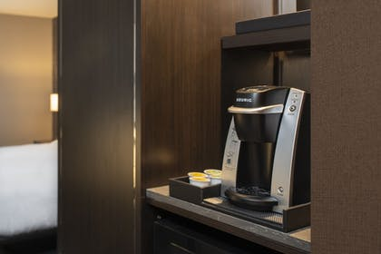 Coffee and/or Coffee Maker | Fairfield Inn & Suites by Marriott Boston Logan Airport/Chelsea
