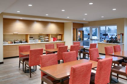 Breakfast Area | TownePlace Suites by Marriott Salt Lake City Draper