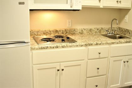 Private Kitchen | Stay Plus Extended Stay Suites
