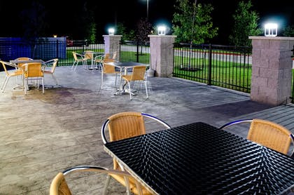 Balcony | Holiday Inn Express & Suites Taylor