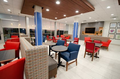 Restaurant | Holiday Inn Express & Suites Taylor