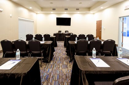 Meeting Facility | Holiday Inn Express & Suites Taylor