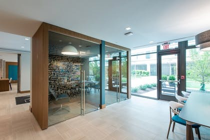 Meeting Facility | Global Luxury Suites Capitol Hill/Navy Yard