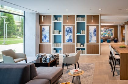 Lounge | Global Luxury Suites Capitol Hill/Navy Yard
