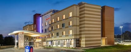 Front of Property - Evening/Night   Fairfield Inn & Suites by Marriott Minneapolis North/Blaine