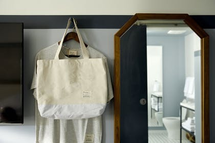 Room Amenity | Life House Collins Park