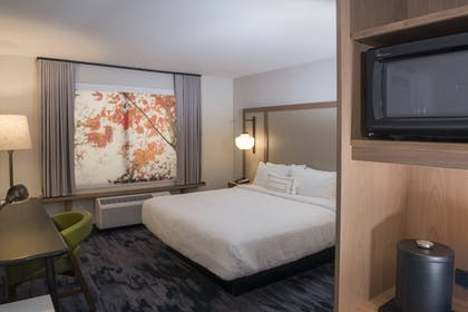 Room | Fairfield Inn & Suites by Marriott Queensbury Glens Falls/Lake George