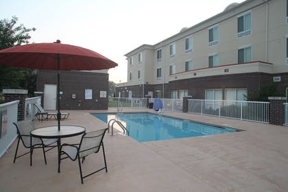 Pool | Holiday Inn Express Pembroke