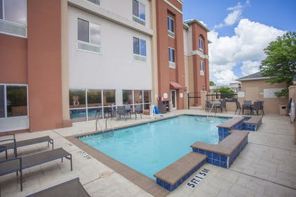 Outdoor Pool | Fairfield Inn & Suites by Marriott Channelview
