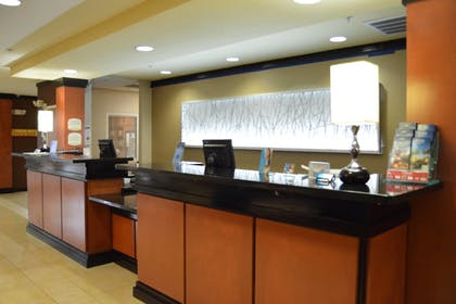Interior | Fairfield Inn & Suites by Marriott Channelview