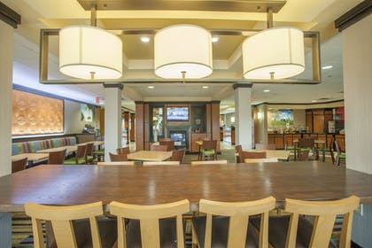 Breakfast Area | Fairfield Inn & Suites by Marriott Channelview