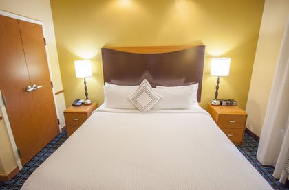 Guestroom | Fairfield Inn & Suites by Marriott Channelview