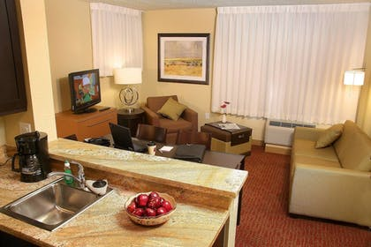 Guestroom | TownePlace Suites by Marriott Farmington
