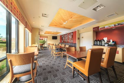 Restaurant | TownePlace Suites by Marriott Farmington