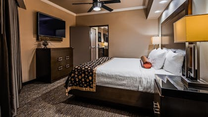 | Suite, 1 King Bed with Sofa bed, Non Smoking, Refrigerator & Microwave (with Sofabed) | Best Western Premier Crown Chase Inn & Suites