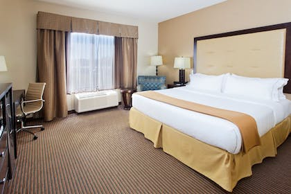 Guestroom | Holiday Inn Express Hotel & Suites CORDELE NORTH